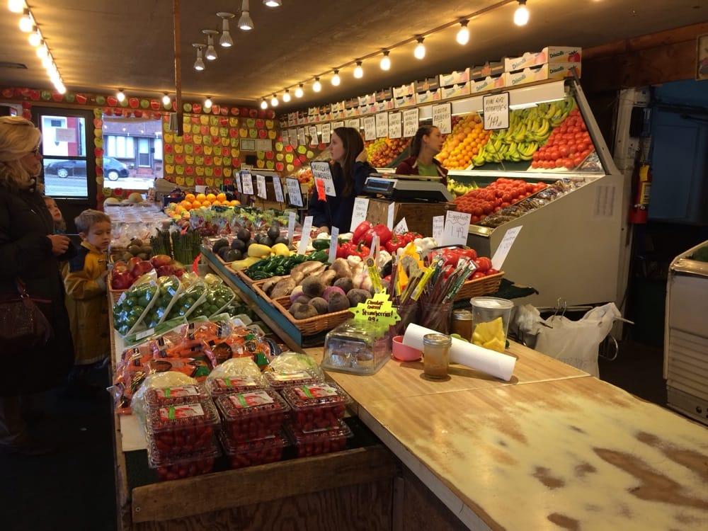 Farmers Market: 500 N Illinois St, Belleville, IL