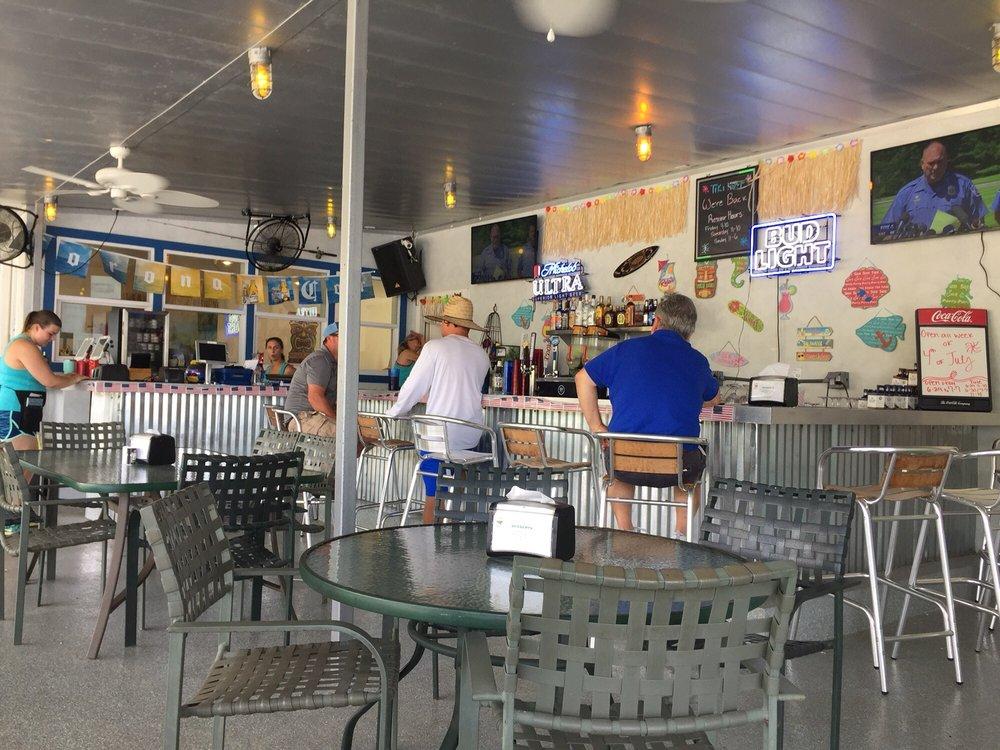 Tiki Hut Bar and Grill: 1937 Island Cir, Tool, TX