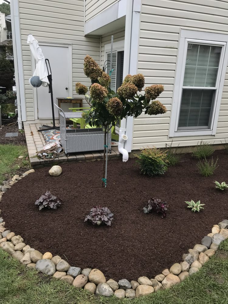 Stanaitis Landscaping and Construction: Aston, PA