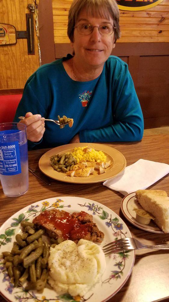 Brooks Cafe: 135 Main St, Sonora, KY