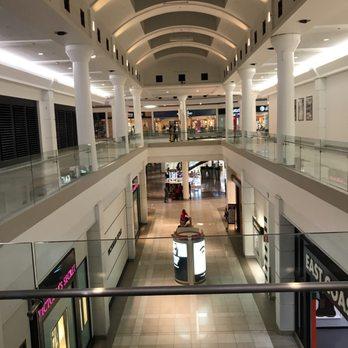 Menlo Park Mall Food Court