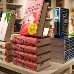 Phaidon - CLOSED - 10 Reviews - Bookstores - 83 Wooster St