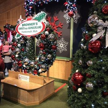 Bronners Christmas Wonderland.Bronner S Christmas Wonderland 886 Photos 297 Reviews