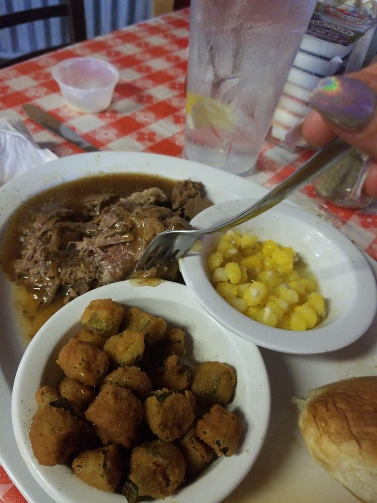 Country Kitchen: 304 Hwy 70 E, Kingston, OK