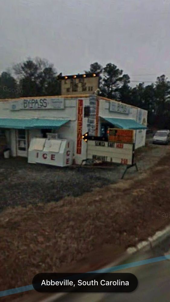 Saxon's Hot Dogs: 381 Highway 72 W, Abbeville, SC
