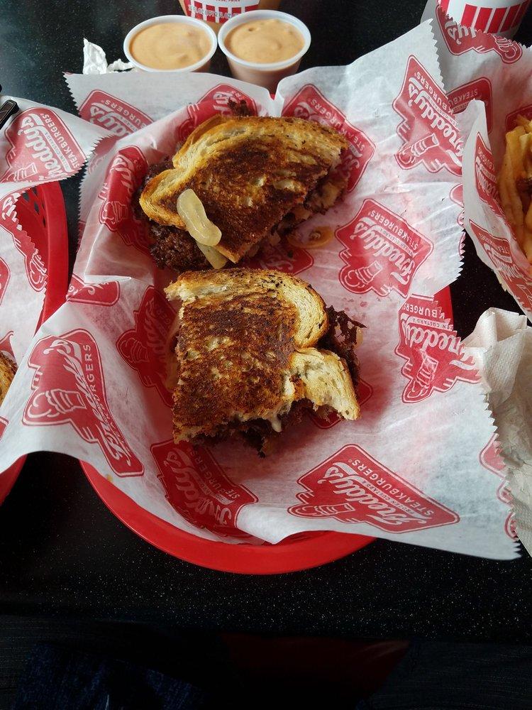 Freddy's Steakburgers: 530 W Shawne St, Muskogee, OK