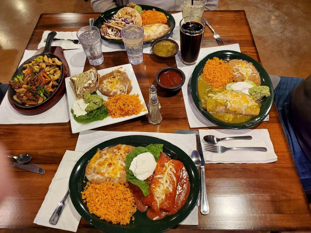 Del Real Pub & Grill: 6148 Mae Anne Ave, Reno, NV