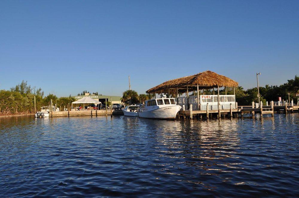 Safe Harbor Pineland: 13921 Waterfront Dr, Bokeelia, FL