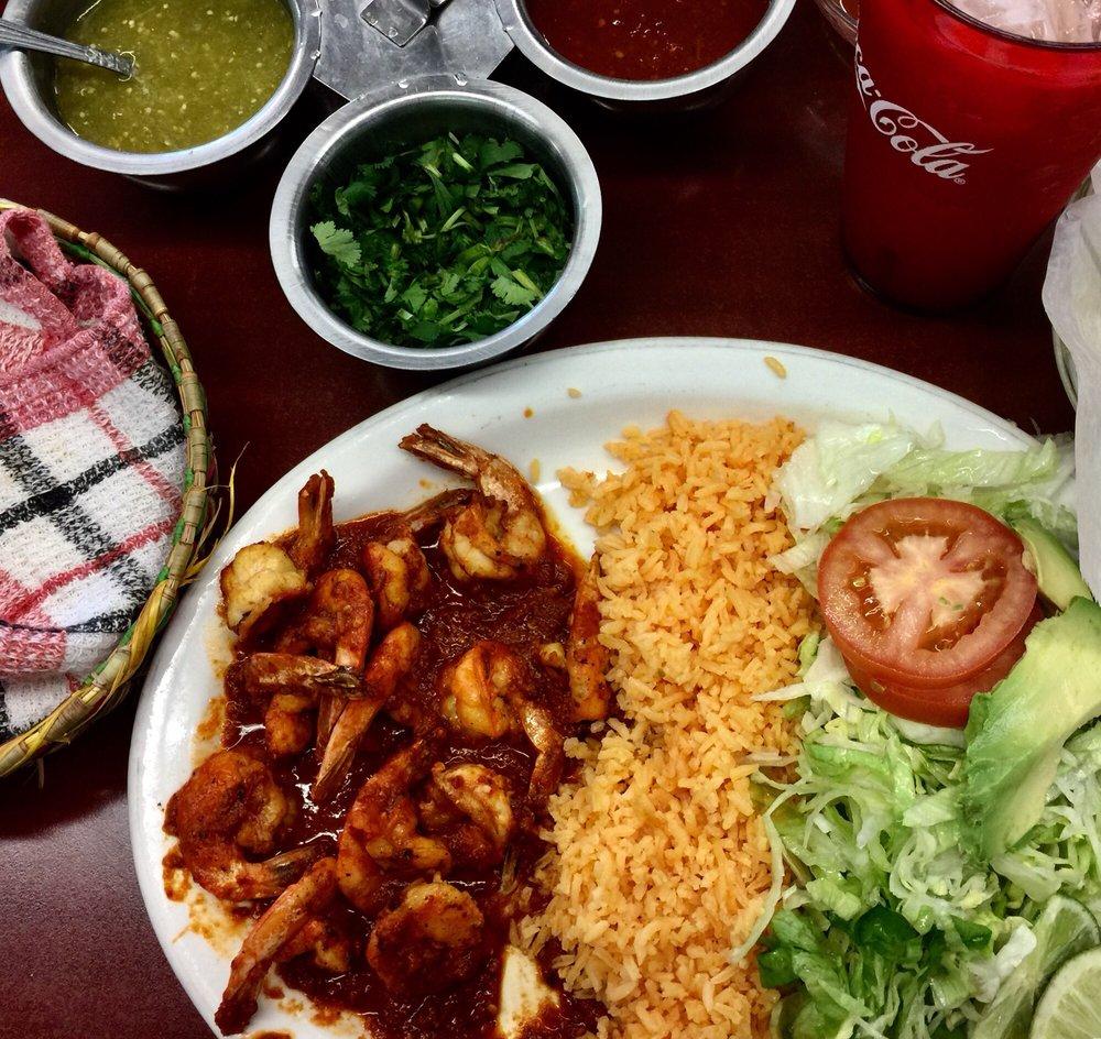 La Perla 3 Mexican Restaurant & Grocery Store: 2508 S Roan St, Johnson City, TN