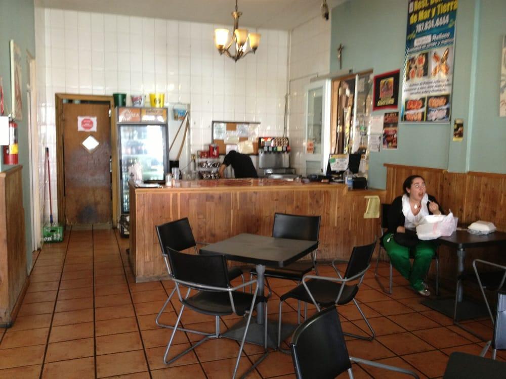 Restaurante Delicias del Mar y Tierra: Calle Ramón Emeterio Betances, Mayagüez, PR