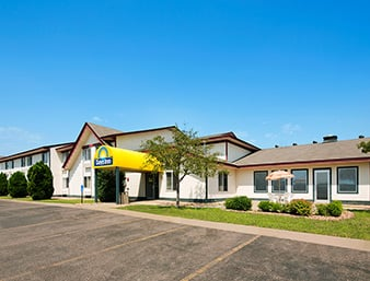 Days Inn by Wyndham Hinckley: 104 Grindstone Court I 35, Hinckley, MN