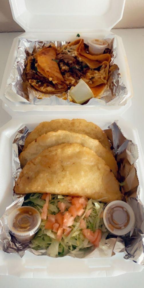 Silvia's Tacos: 3303 Taft Ave, Groves, TX