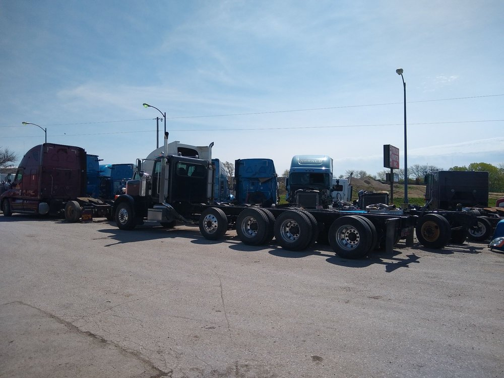 B & D Truck Parts: 8803 Berry Hill Rd, Blair, NE