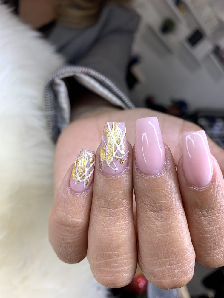 Venus H&L Beauty Salon & Nails: 597 Academy St, New York, NY
