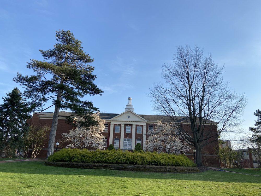 Ashland University: 401 College Ave, Ashland, OH