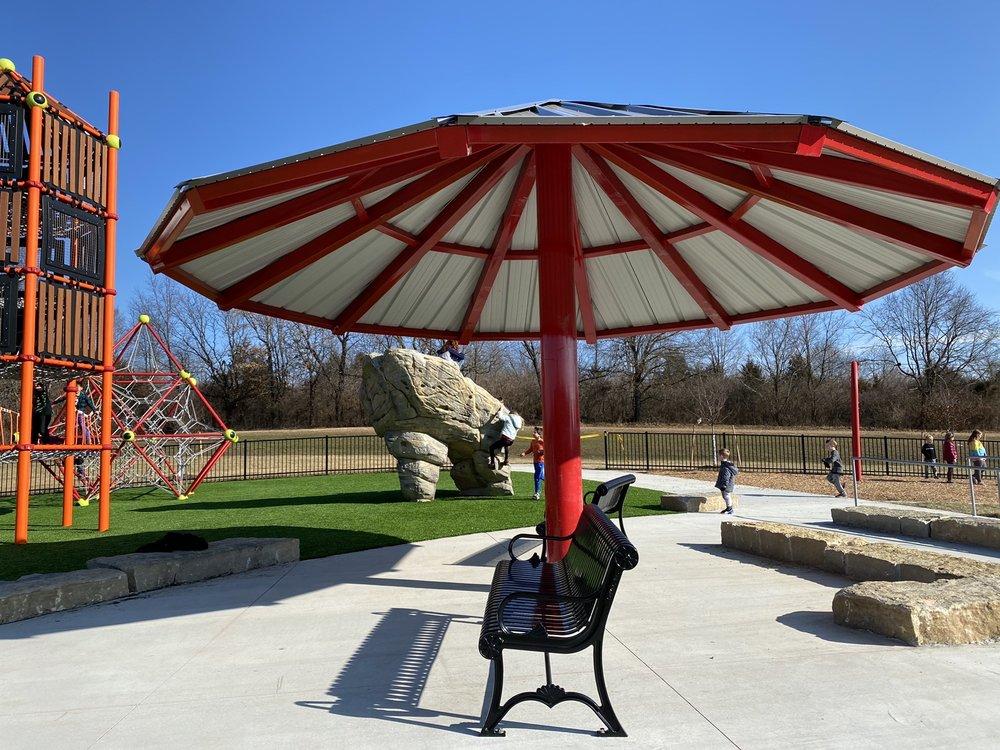 Hodge Park Playground: 7000 NE Barry Road, Kansas City, MO