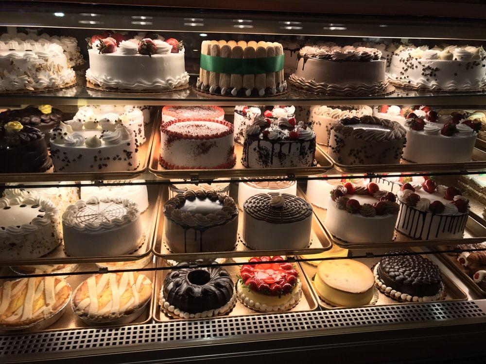 DeLillo Pastry Shop: 606 E 187th St, Bronx, NY
