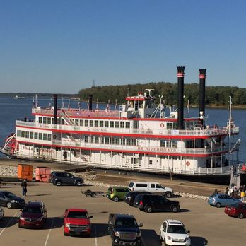 Photo Of B Riverboats Newport Ky United States Belle Cincinnati