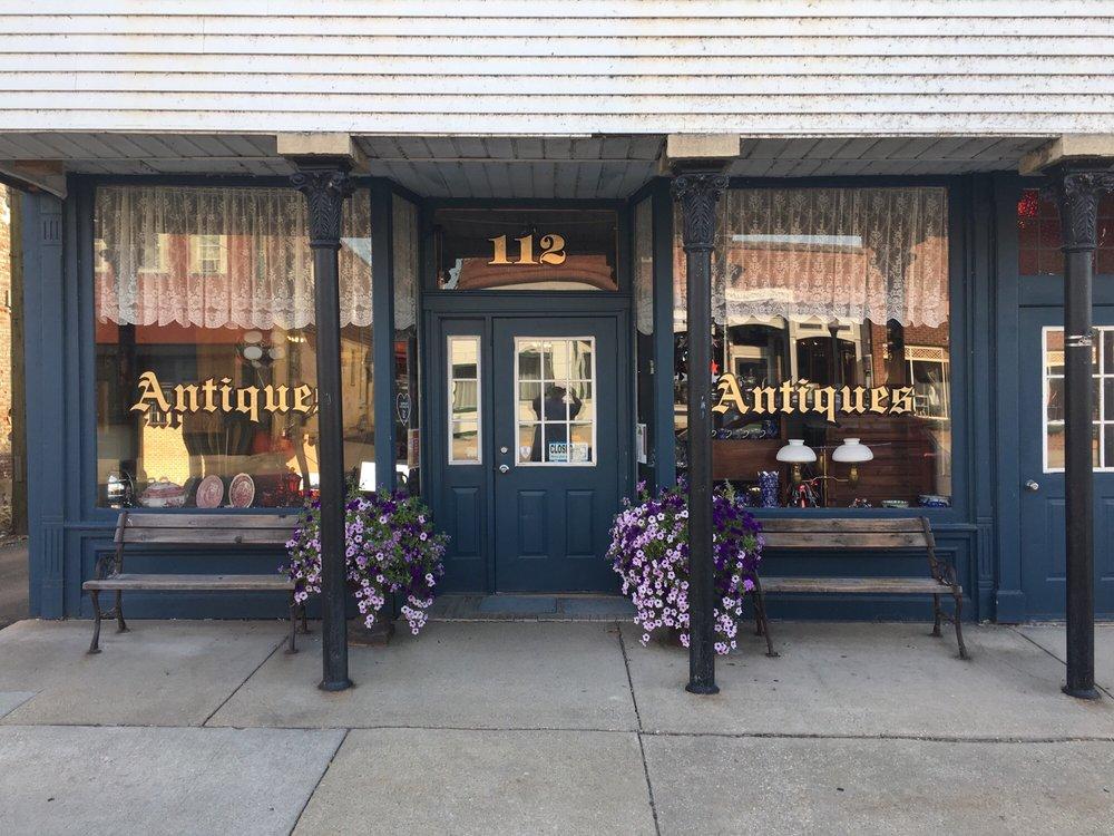 Paraphernalia Antiques: 112 N Water St, Wilmington, IL