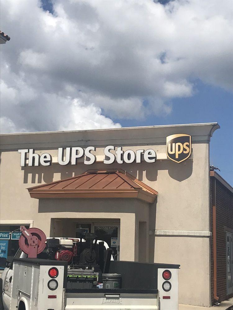 The UPS Store: 210 Fieldstown Rd, Gardendale, AL