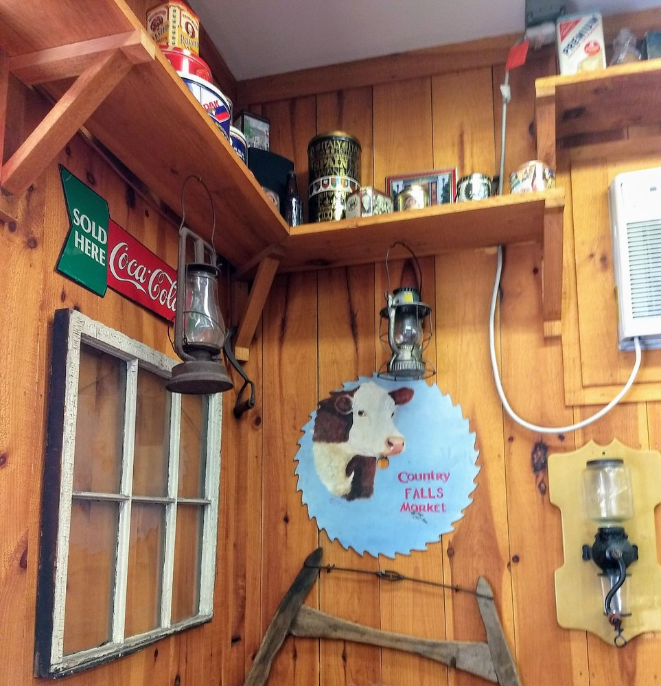 Kellys Country Kitchen: 1075 Nh Route 11, Farmington, NH