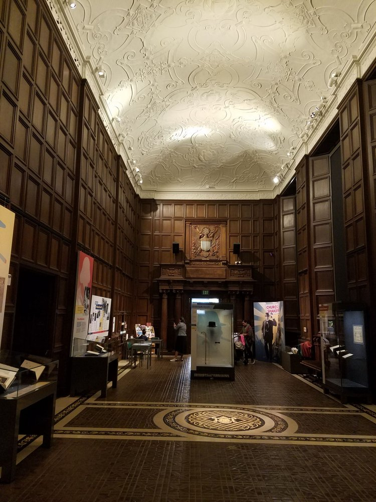 Folger Shakespeare Library / Folger Theatre