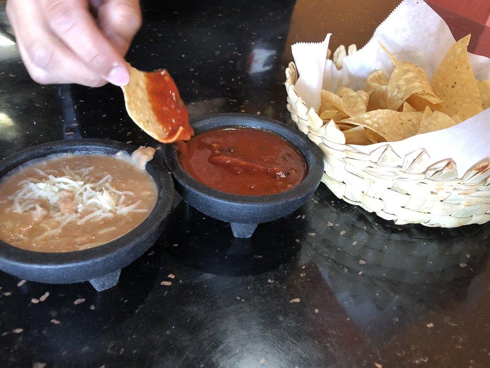 El Picosito Mexican Restaurant: 479 5th St, Gustine, CA