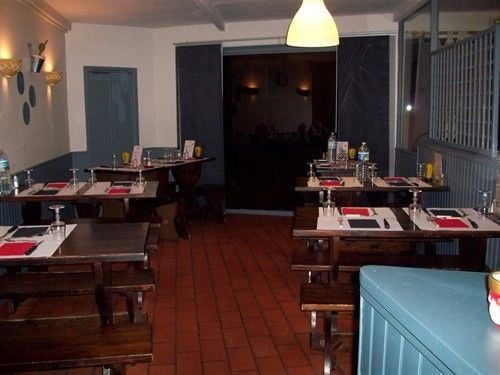 restaurant le sans surprise: 115 rue jules ferry, St Brieuc, 22