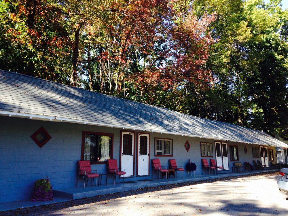 Chamber Lane Motel: 2142 Rt 9, Round Lake, NY