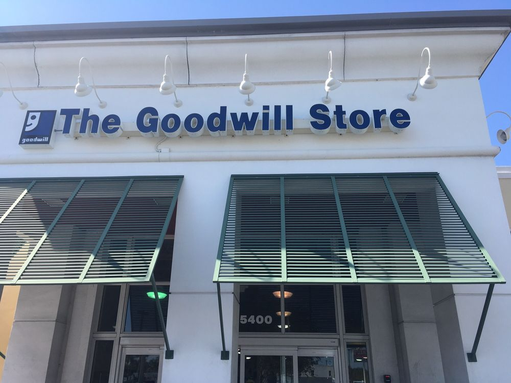 goodwill west palm beach south dixie store donation center thrift stores 5400 s dixie hwy. Black Bedroom Furniture Sets. Home Design Ideas