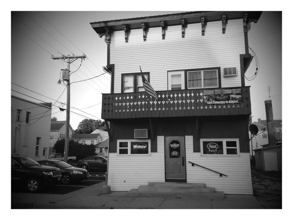 Good Fellas Tavern: 109 S State St, Argyle, WI