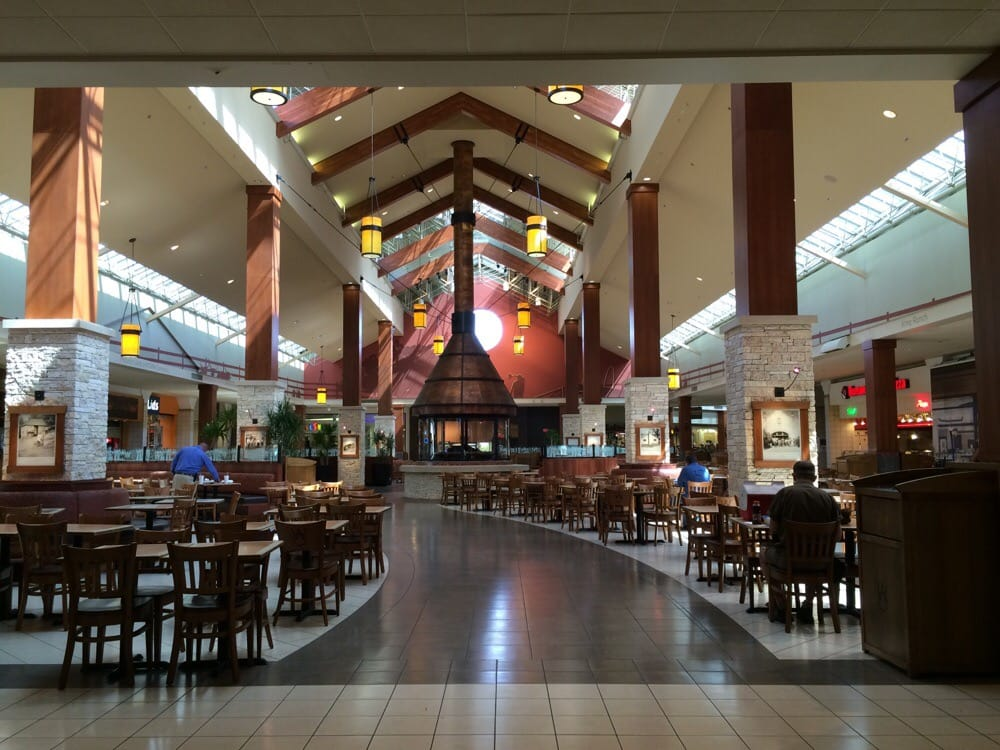 Oaks mall food court