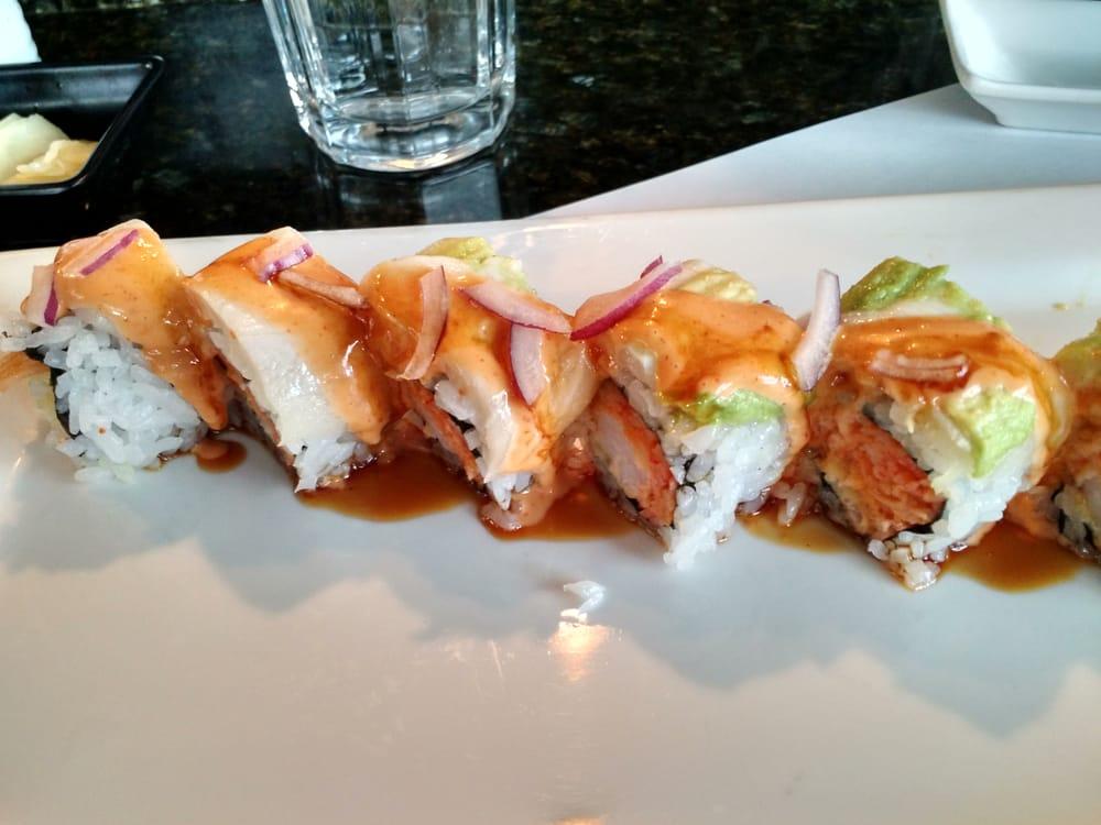 No 5 roll tempura shrimp spicy crab torched escolar for Blue fish sushi