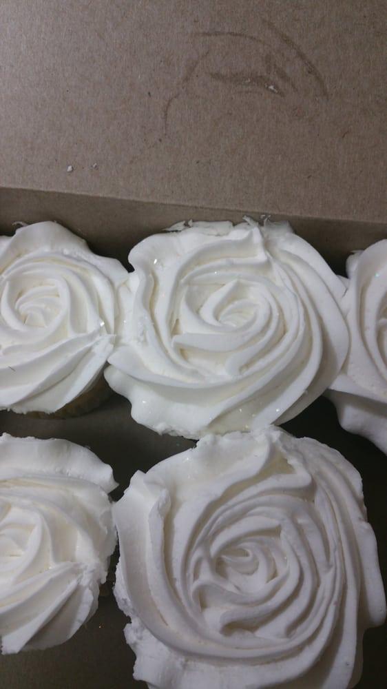 Cake Pan: 609 NW R D Mize Rd, Blue Springs, MO