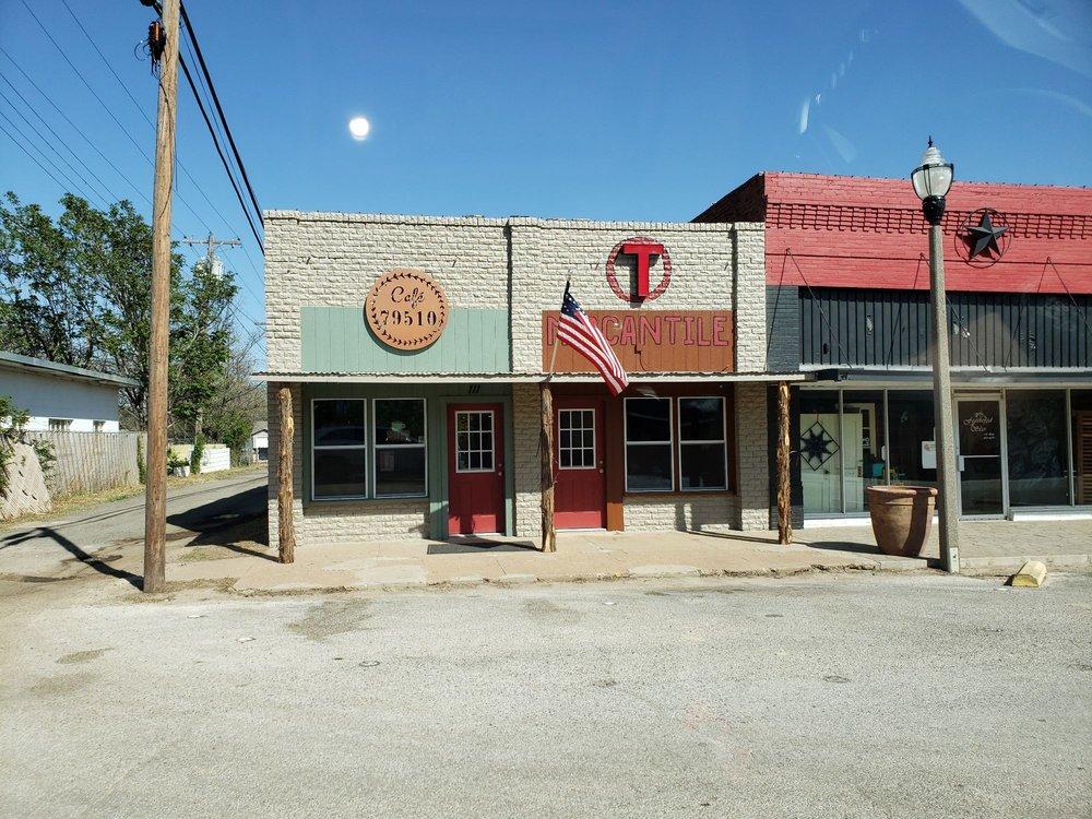 Cafe 79510: 111 Oak St, Clyde, TX