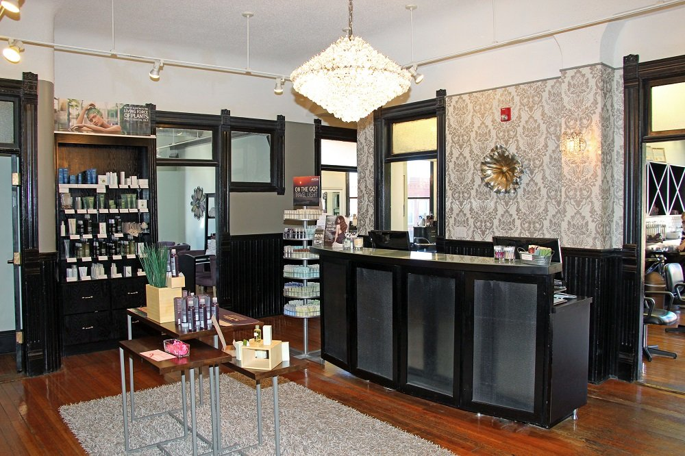 Belle Salon & Spa: 2915 Hamilton Blvd, Sioux City, IA