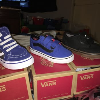 c37a495b59 vans store locator   Come and stroll!