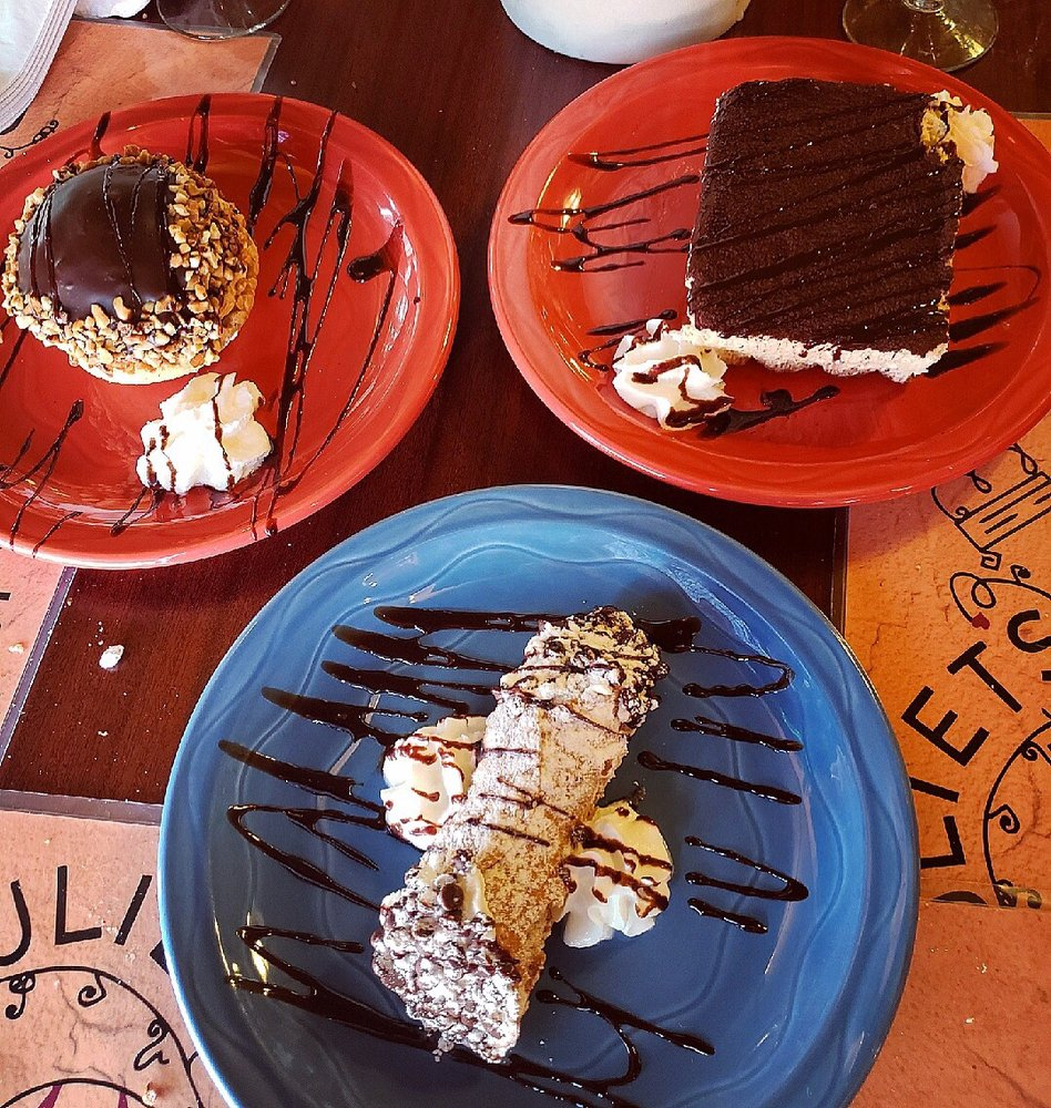 Romeo & Juliets Cafe: 2512 Sheridan Dr, Tonawanda, NY
