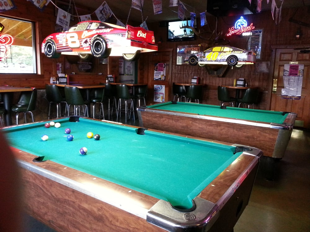 Outback Saloon & Grill: 38948 Stanchfield Rd NE, Stanchfield, MN