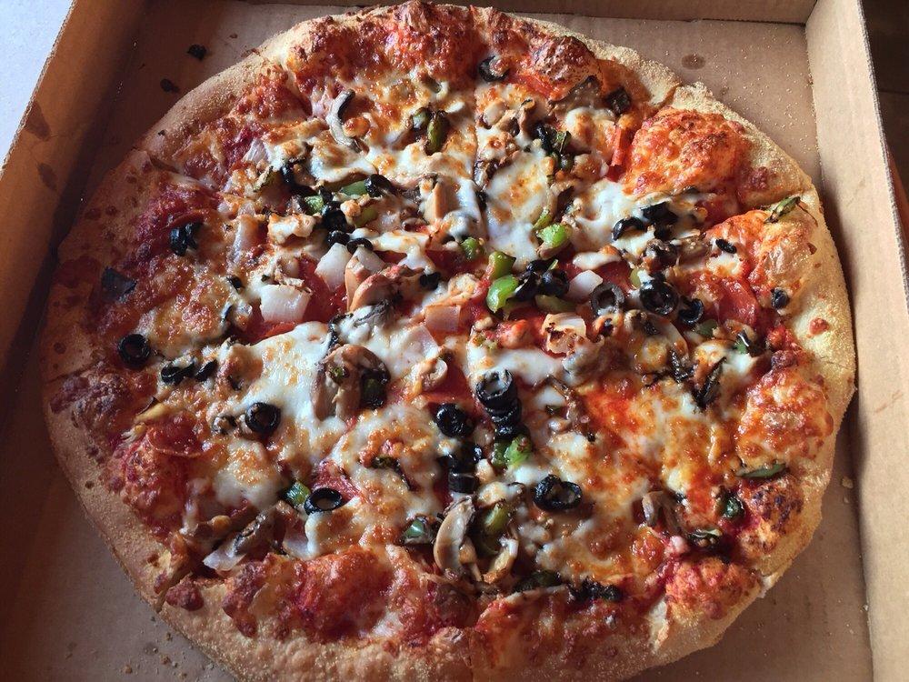 Gina's Pizza: 505 D St, New Bern, NC