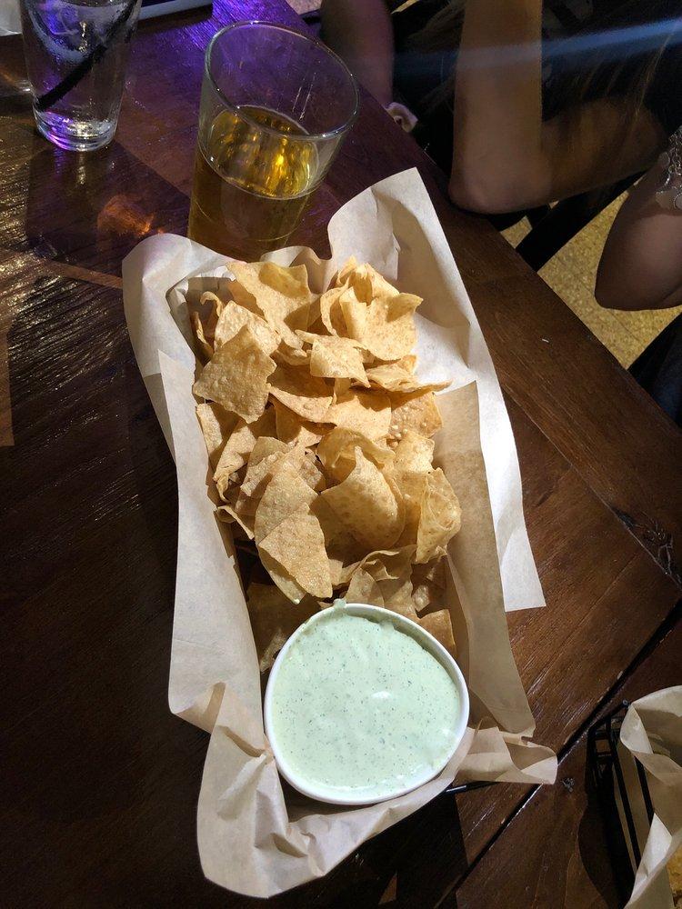 Froggy's Grub & Pub: 2902 N Navarro St, Victoria, TX