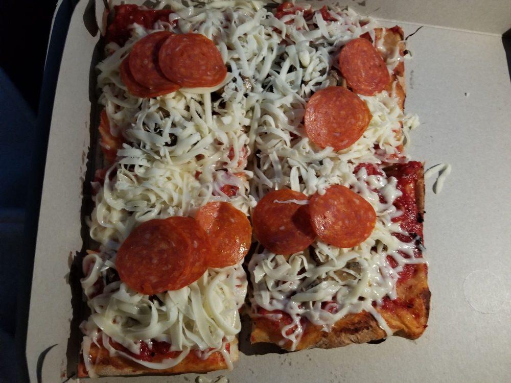 Mario DiCarlo's Pizza: 203 Three Springs Dr, Weirton, WV