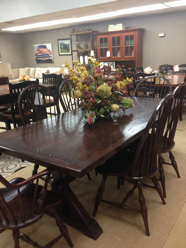 This Mahogany Dining Set Has A Rustic Look Of Solid Wood