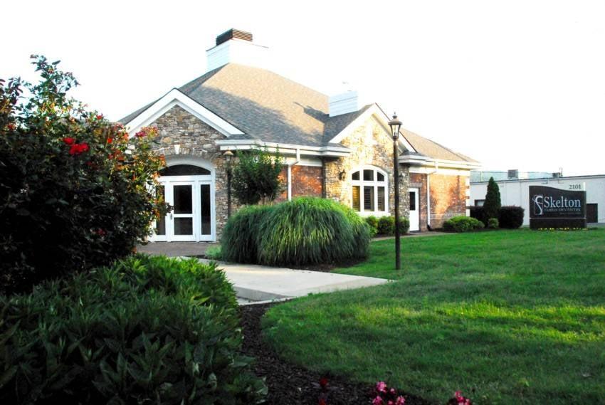 Skelton Family Dentistry: 2101 Grand Ave NW, Fort Payne, AL