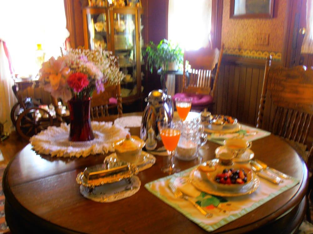 Addison House Bed & Breakfast: 26693 State Rte 267, Friendsville, PA
