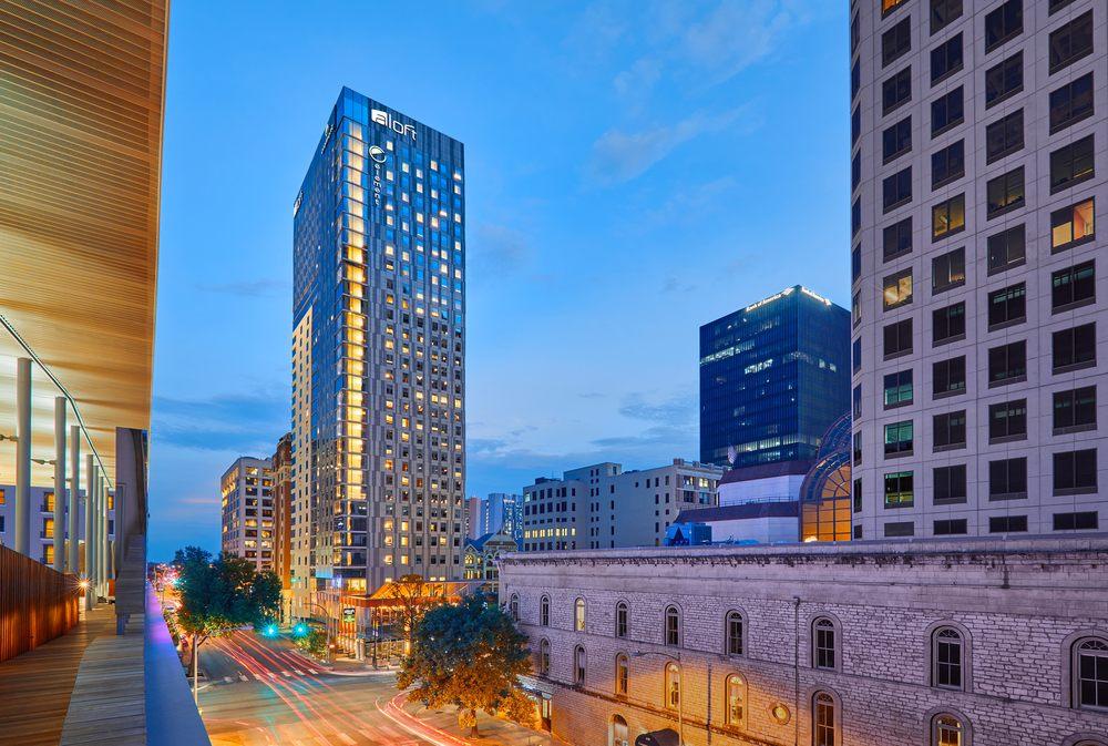Element Austin Downtown