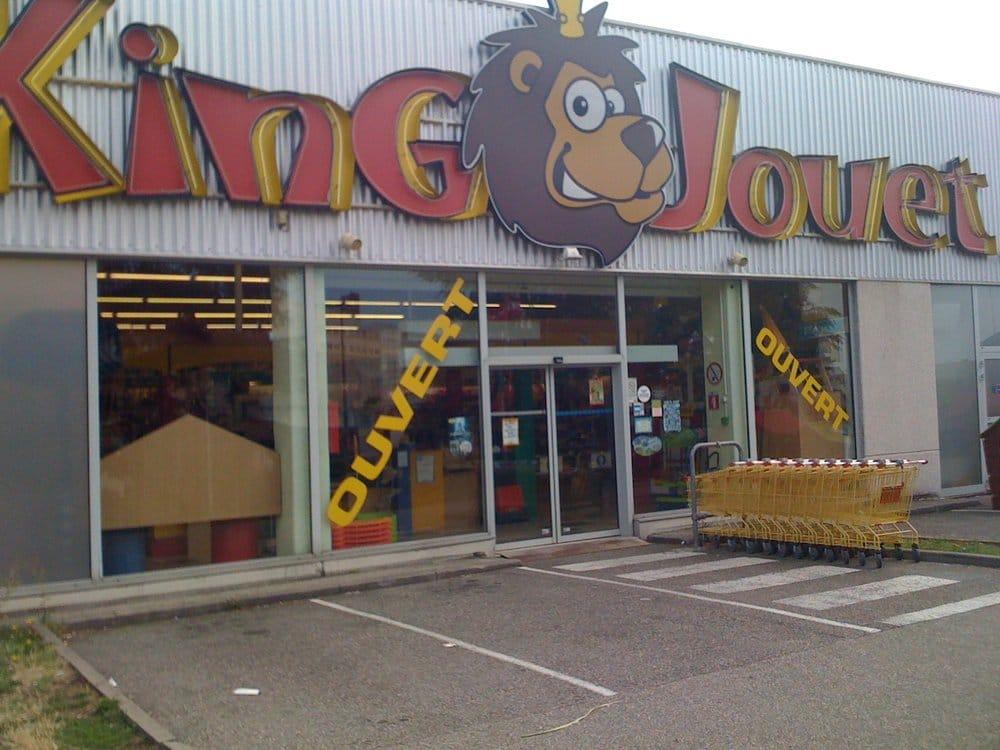 King jouet magasin de jouets 9 mont e des soldats for Caluire piscine horaires