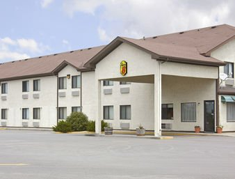 Super 8 by Wyndham Webster City IA: I-20 and Hwy 17, Webster City, IA
