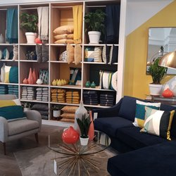 West Elm Furniture Stores 2434 Yonge Street Yonge And Eglinton
