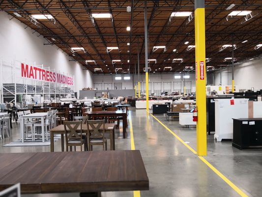 Living Spaces 49088 Fremont Blvd Fremont Ca Furniture Stores Mapquest